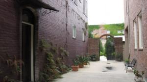 Alley Square